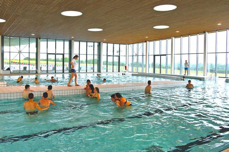 Le bassin ludique de l'espace aquatique AquaChoisel à Châteaubriant
